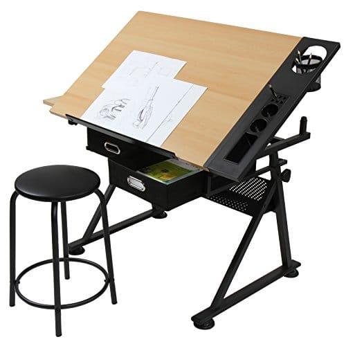 Pisalna miza s stolom in predali